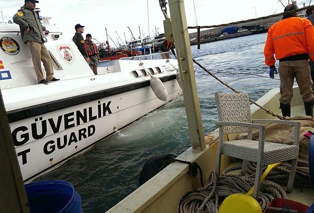 İstanbul Boğazında tekne alabora oldu