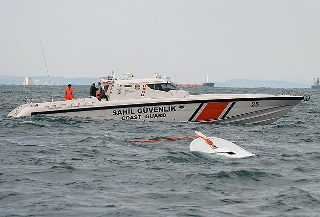 Tekne kazasında 20 kişi hayatını kaybetti