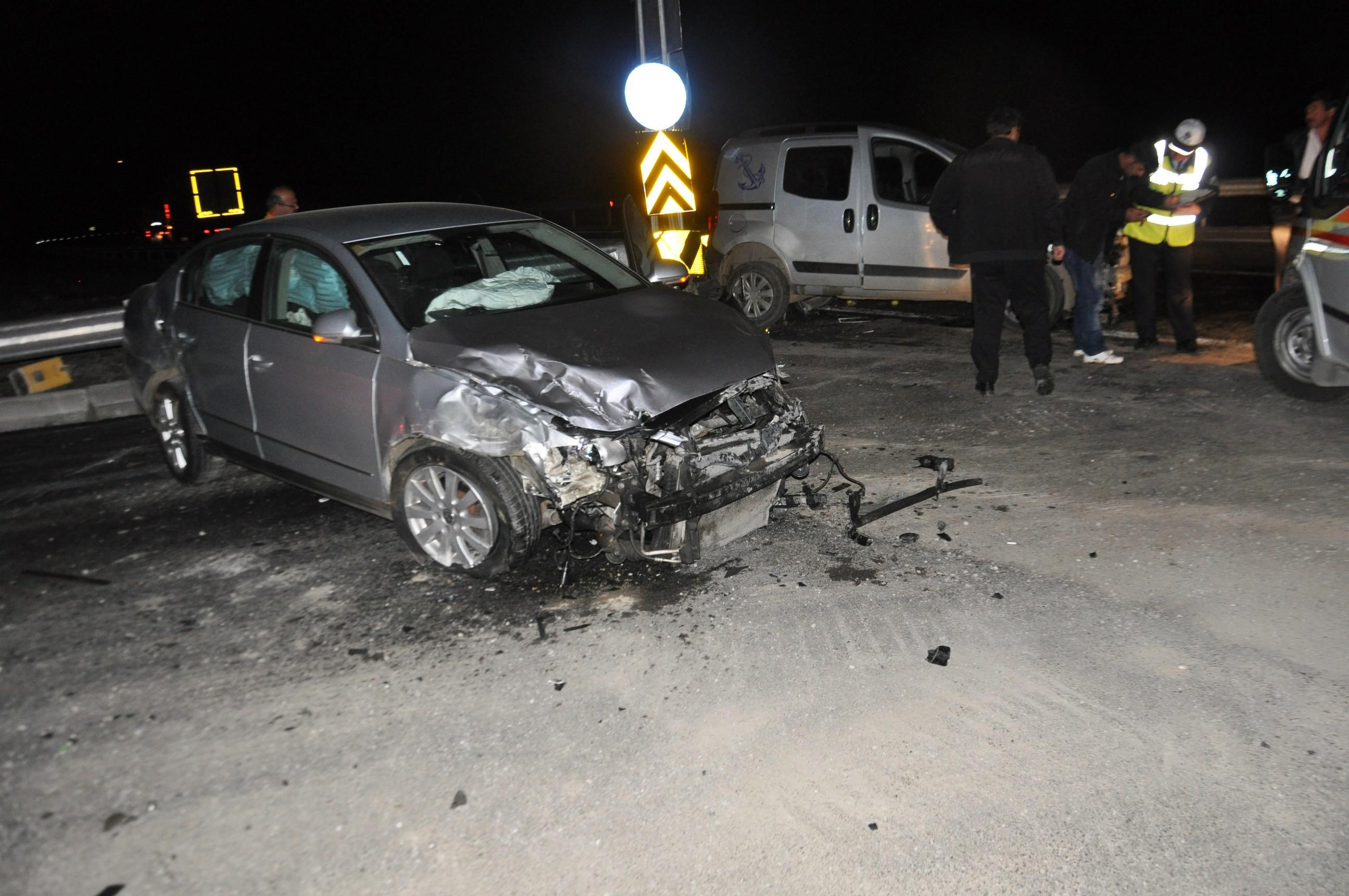 Konyada iki araç çarpıştı: 4 yaralı