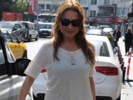 Şarkıcı Deniz Seki gözaltına alındı