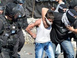 İsrail askerleri 20 günde 401 Filistinliyi gözaltına altı
