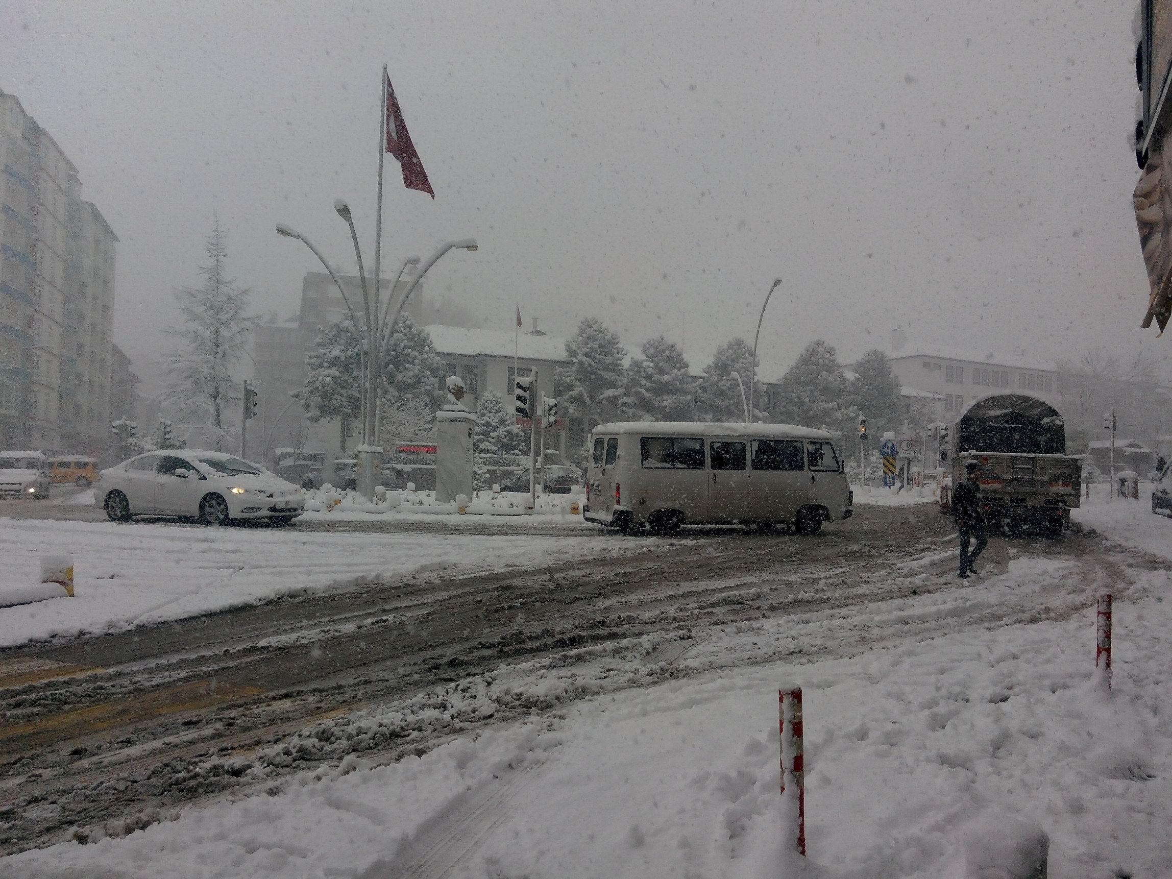 Seydişehir'de kar tedbirleri alındı