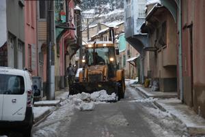 Akşehirde karla mücadele çalışmaları