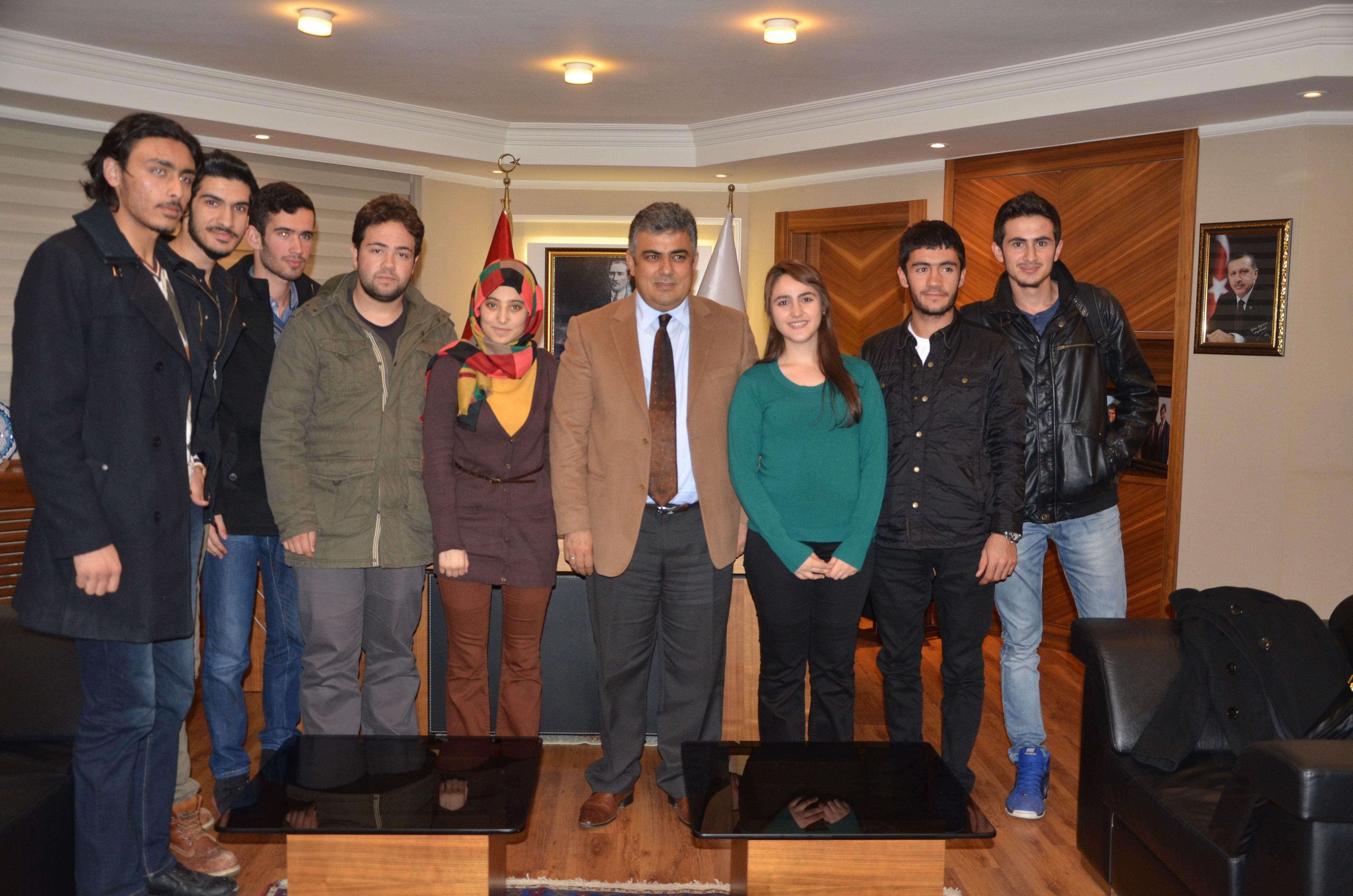 Öğrencilerden Başkan Özgüven'e ziyaret