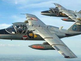 THY uçağını savaş uçakları indirdi!