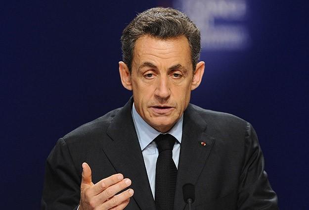 Fransa merkez sağında yarışı Sarkozy kazandı