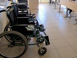 Ailenin geçimi çalışan engelliden soruluyor