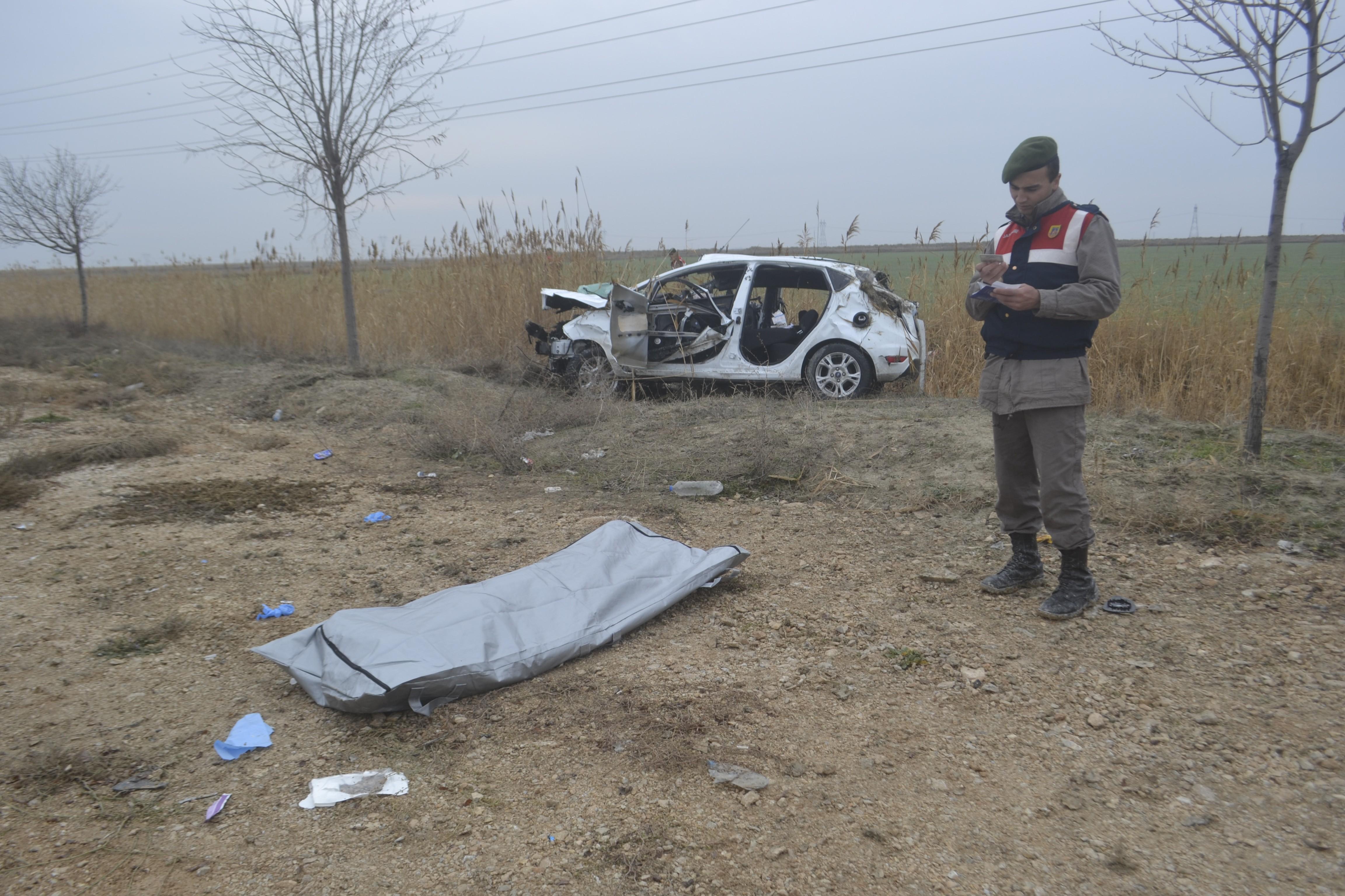 Otomobil kanala düştü: 1 ölü