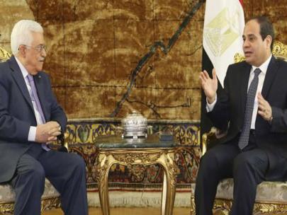 Abbas, Mursi'ye sövdü Sisi'yi övdü!