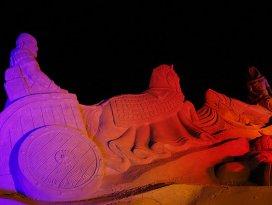 Kum heykele yoğun ilgi rekor getirdi