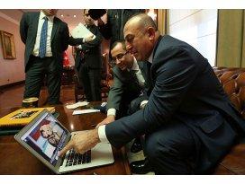 Çavuşoğlu Yılın Fotoğrafını oyladı