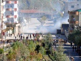 PKK Cizrede mahalleyi ateşe verdi