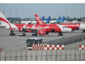 AirAsia uçağı pistten çıktı