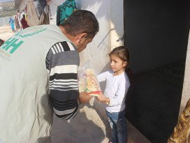 Suriyeli yetimlere 20 milyon ekmek
