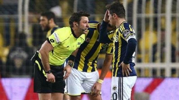 Aydınus Emre Belözoğlunu sakatladı!