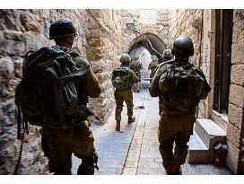 İsrail 19 Filistinliyi daha gözaltına aldı