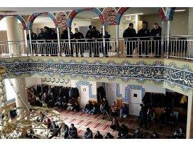 New York polisine Türk camisinde vaaz