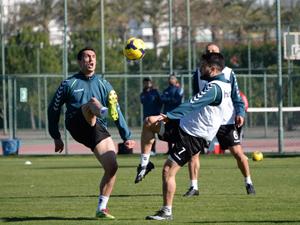 Torku Konyaspor topbaşı yaptı