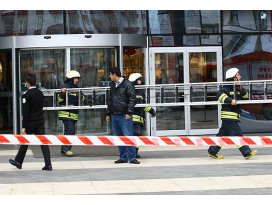Asma tavan düştü: 4 yaralı