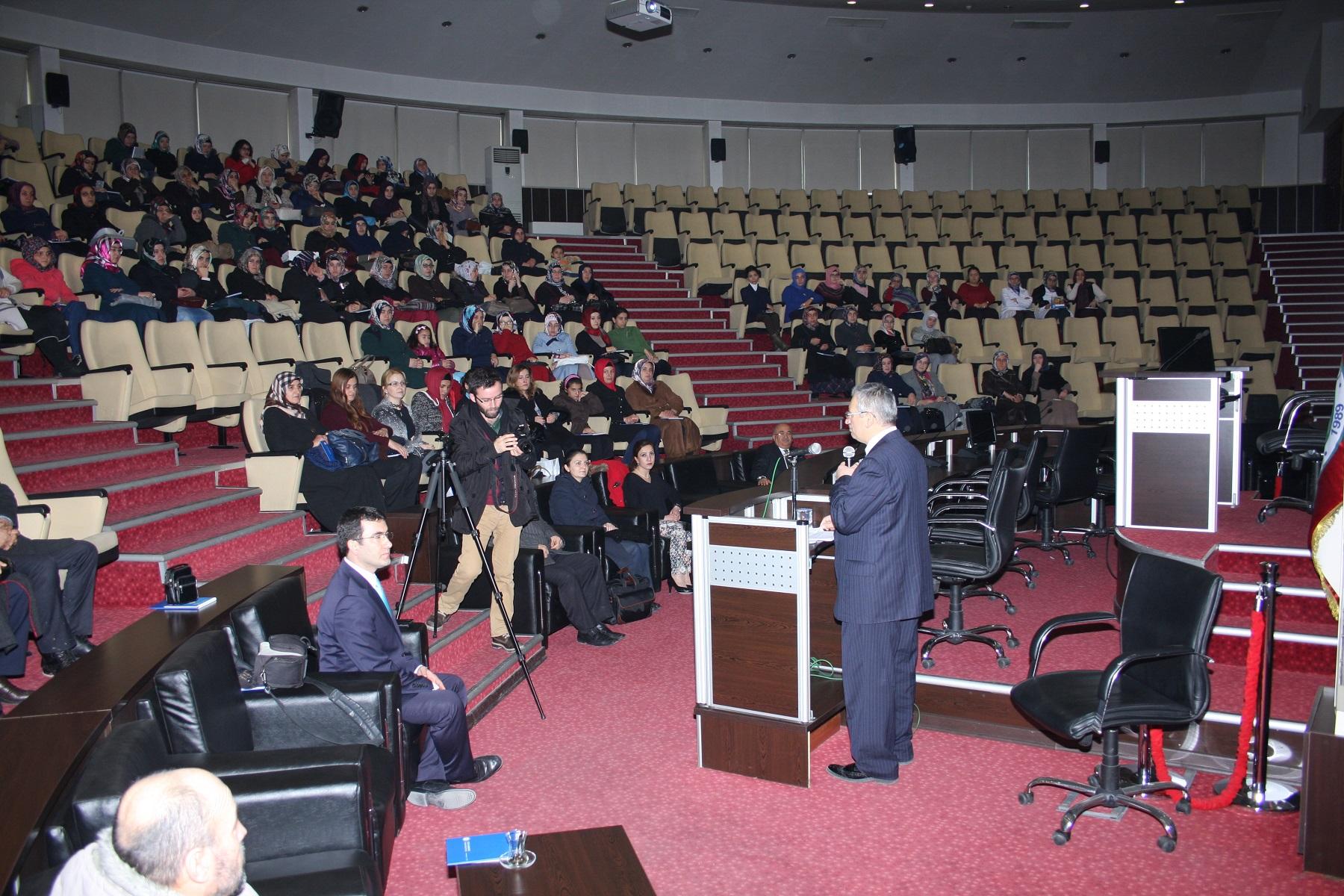 Karatayda İslamda Kadın ve Şiddet konferansı
