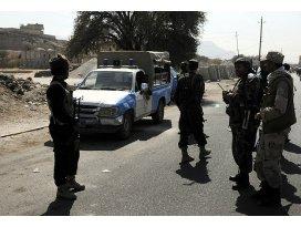 Yemen Başbakanının konvoyuna saldırı