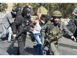 İsrail 17 Filistinliyi gözaltına aldı