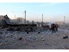 Suriyede pazar yerine varil bombalı saldırı: 65 ölü