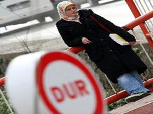 Ankara Üniversitesinde başörtü skandalı