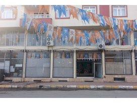 Bismilde AK Parti binasına saldırı