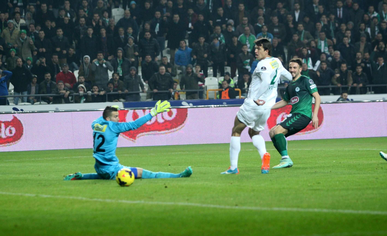 Torku Konyaspor son dakikada yıkıldı; 2-3