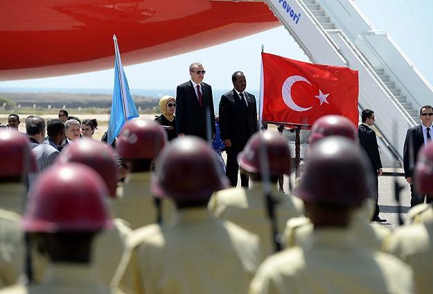 Erdoğan Somalide resmi törenle karşılandı
