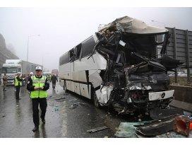 Antalyada otobüs ile tır çarpıştı: 5 ölü