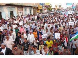 Yemende 4 göstereci kaçırıldı