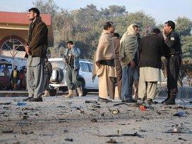 Pakistanda camiye bombalı saldırı