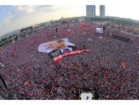 Erdoğana ve mitinge katılanlara hakarete para cezası
