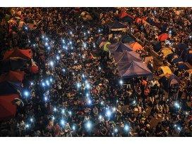 Hong Kongda göstericiler yeniden meydanlarda