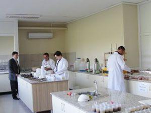 Altınekine 130 bin TLlik laboratuar