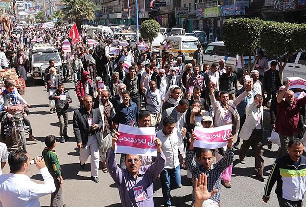 Yemende anayasa manifestosu protesto edildi
