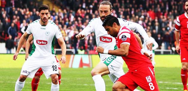 Torku Konyaspor deplasmanda güldü!