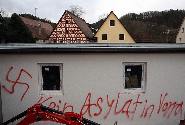 Almanyada mülteci yurtlarına saldırlar 3 kat arttı
