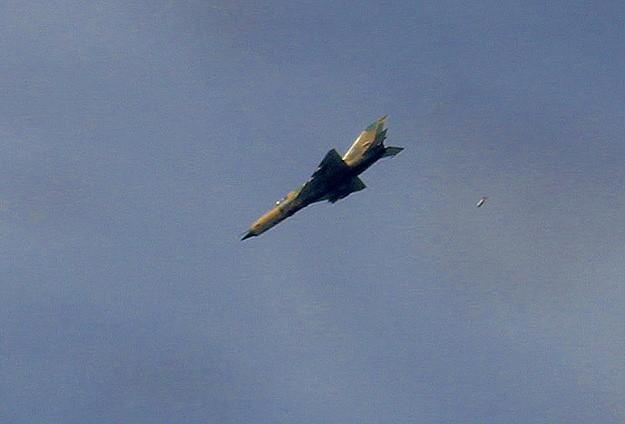 İsviçre Suriyeye jet yakıtı satışını yasakladı