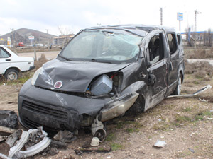 Konyada otomobil devrildi: 6 yaralı