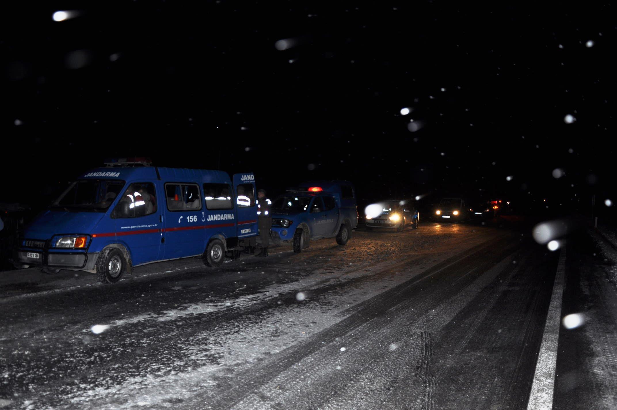 Otobüs şarampole devrildi: 1 ölü, 38 yaralı