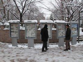Çankırılılar 29 yıldır ayakta gazete okuyor