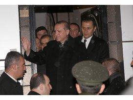 Cumhurbaşkanımız gelmiş Ahmeti evinde ziyaret ediyor