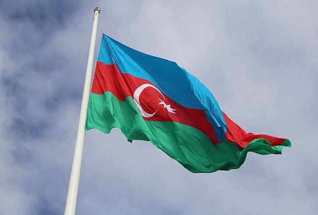 Azerbaycan manatı yüzde 34 değer kaybetti