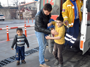 Suriyeli iki aile yediği yemekten zehirlendi