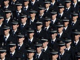 Polis alımında üst yaş sınırı 30a çıkarıldı
