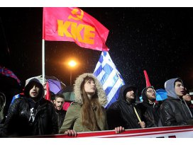 Komünistler SYRIZA hükümetini protesto etti