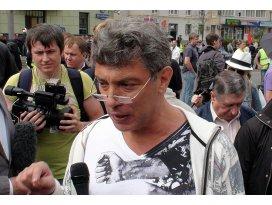 Rus muhalif Nemtsov öldürüldü